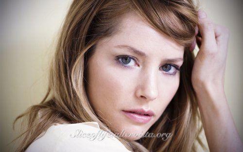 1-Sienna Guillory_1