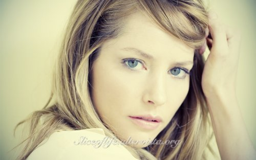 1-Sienna Guillory_2