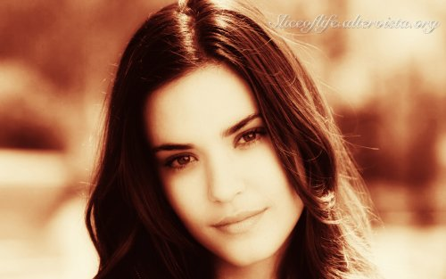 Odette Annable_6